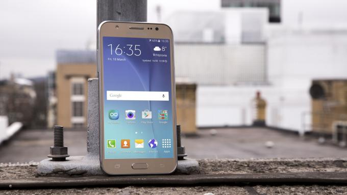 ซื้อ Samsung Galaxy J5 กับทรูมูฟ เอช ลดเกินครึ่ง!!! เหลือเพียง 1,990 บาทเท่านั้น