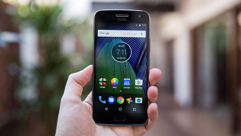 ลูกค้าแบบเติมเงิน เป็นเจ้าของสมาร์ทโฟน Moto G5 Plus ในราคาเบาๆ พร้อมฟรี!!! เน็ต 4G ทรูมูฟ เอชแบบไม่อั้น นาน 6 เดือน